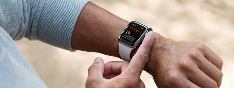 Apple Watch Series 4 en el brazo